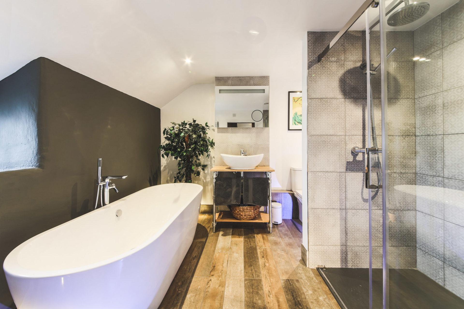 Stunning luxury modern bathroom